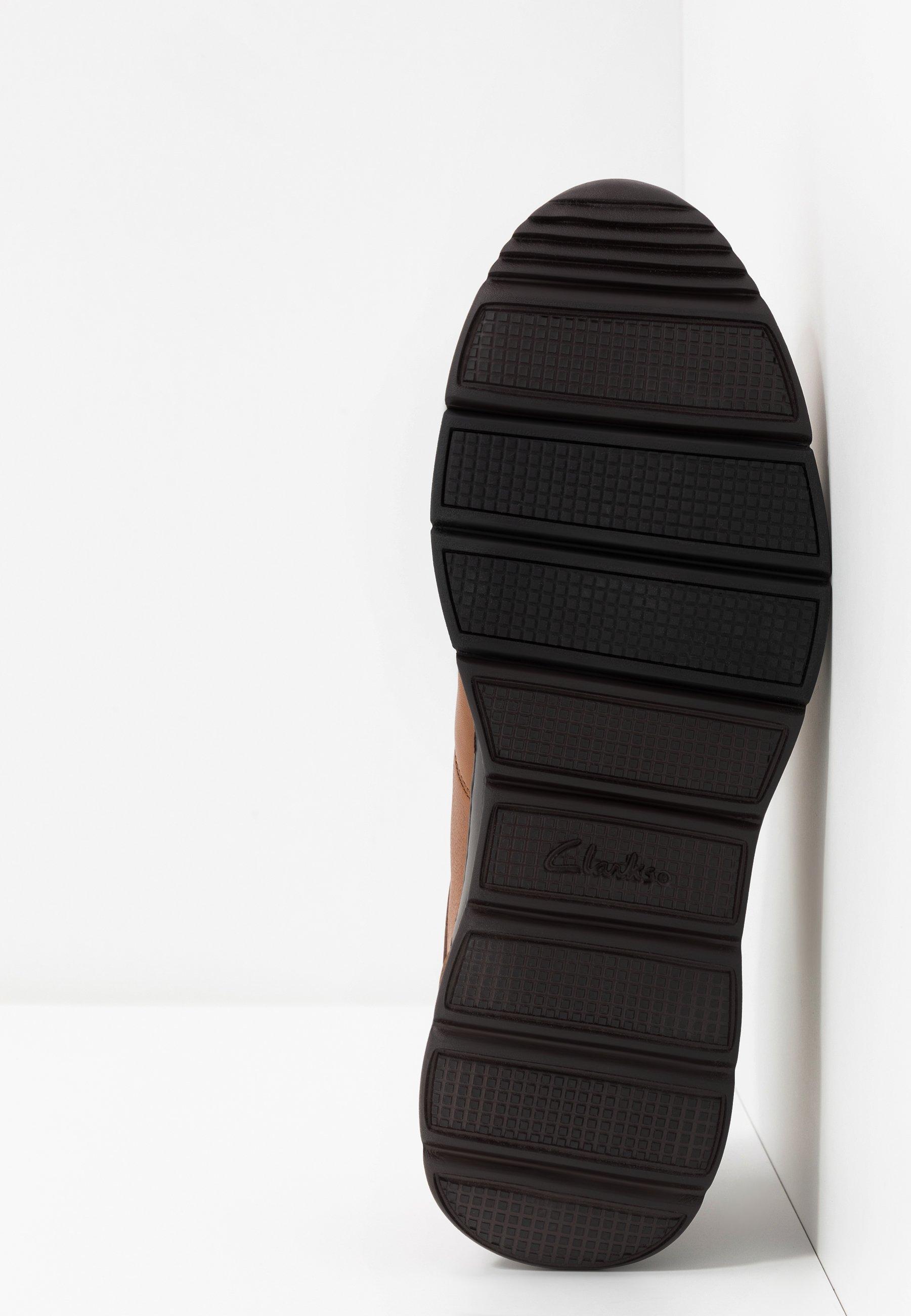 Clarks UN TYNAMO TIE - Chaussures à lacets - tan