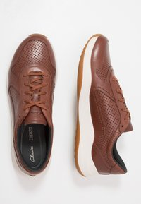 Clarks - SIFT SPEED - Trainers - british tan - 1