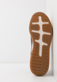 Clarks - SIFT SPEED - Trainers - british tan - 4