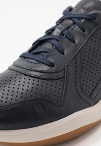 Clarks - SIFT SPEED - Baskets basses - navy - 5