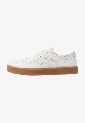 HERO LIMIT - Casual lace-ups - white