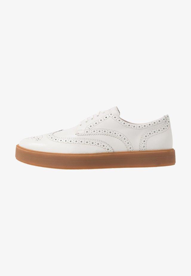 HERO LIMIT - Zapatos con cordones - white