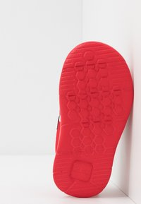 Clarks - ATH BOW  - Sneakers basse - red - 5