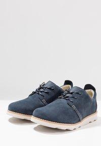 Clarks - CROWN PARK - Chaussures à lacets - navy - 3