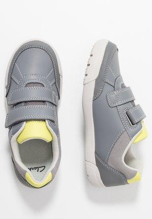 EMERY SKY - Zapatillas - grey