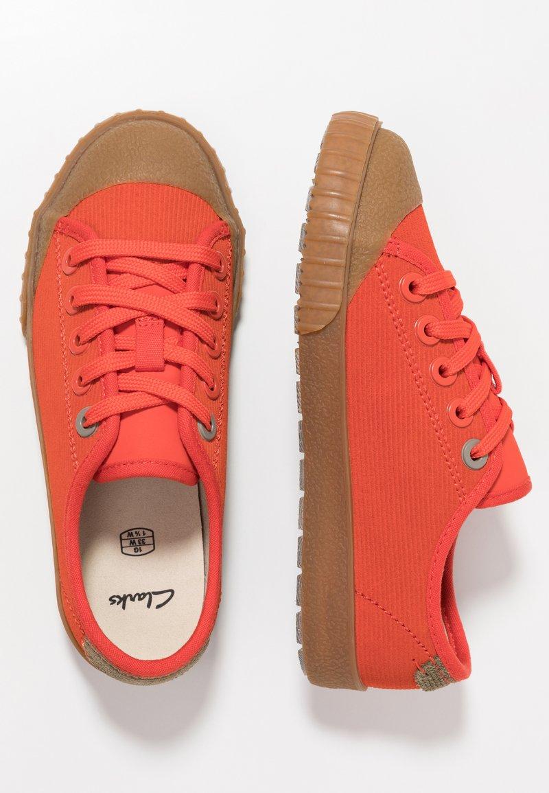 Clarks - CYRUS TRACK - Sneaker low - orange
