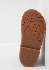 Clarks - COMET FROST - Stövletter - brown - 4