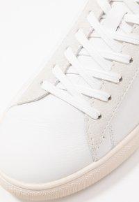 Clae - BRADLEY - Trainers - white/pink - 2