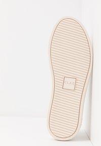 Clae - BRADLEY - Trainers - white/pink - 6