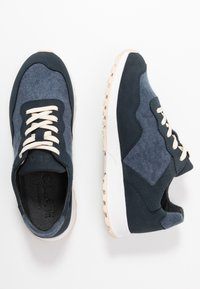 Clae - ELLA - Trainers - deep navy/terry - 3