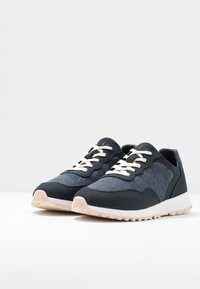 Clae - ELLA - Trainers - deep navy/terry - 4