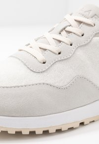 Clae - ELLA - Trainers - white/navy - 2