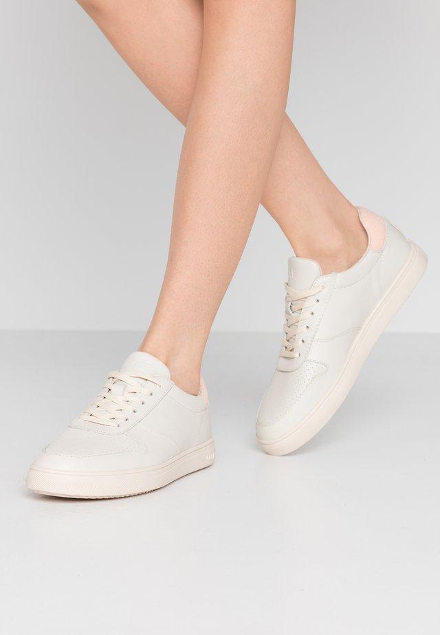 ALLEN - Sneakersy niskie - pink/terry