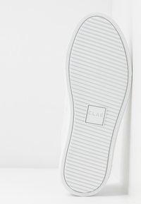 Clae - ALLEN - Tenisky - white/silver - 6