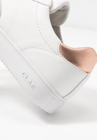 Clae - ALLEN - Trainers - white/rose gold - 5