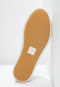 Clae - BRADLEY - Matalavartiset tennarit - white - 4