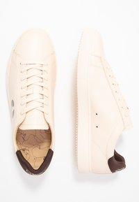 Clae - BRADLEY PETITES LUXURES - Sneaker low - ecru - 1