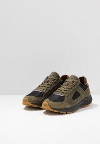 Clae - EDWIN - Trainers - hiking green - 2