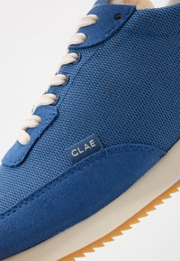 Clae - RUNYON VEGAN - Trainers - true blue - 6