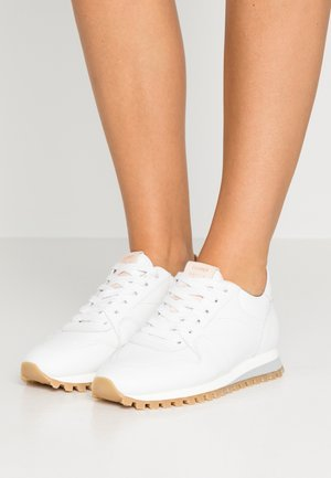 PEPPER - Sneakers - white