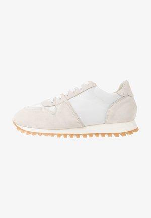 PEPPER - Sneakers basse - white