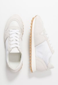 CLOSED - PEPPER - Trainers - white - 3