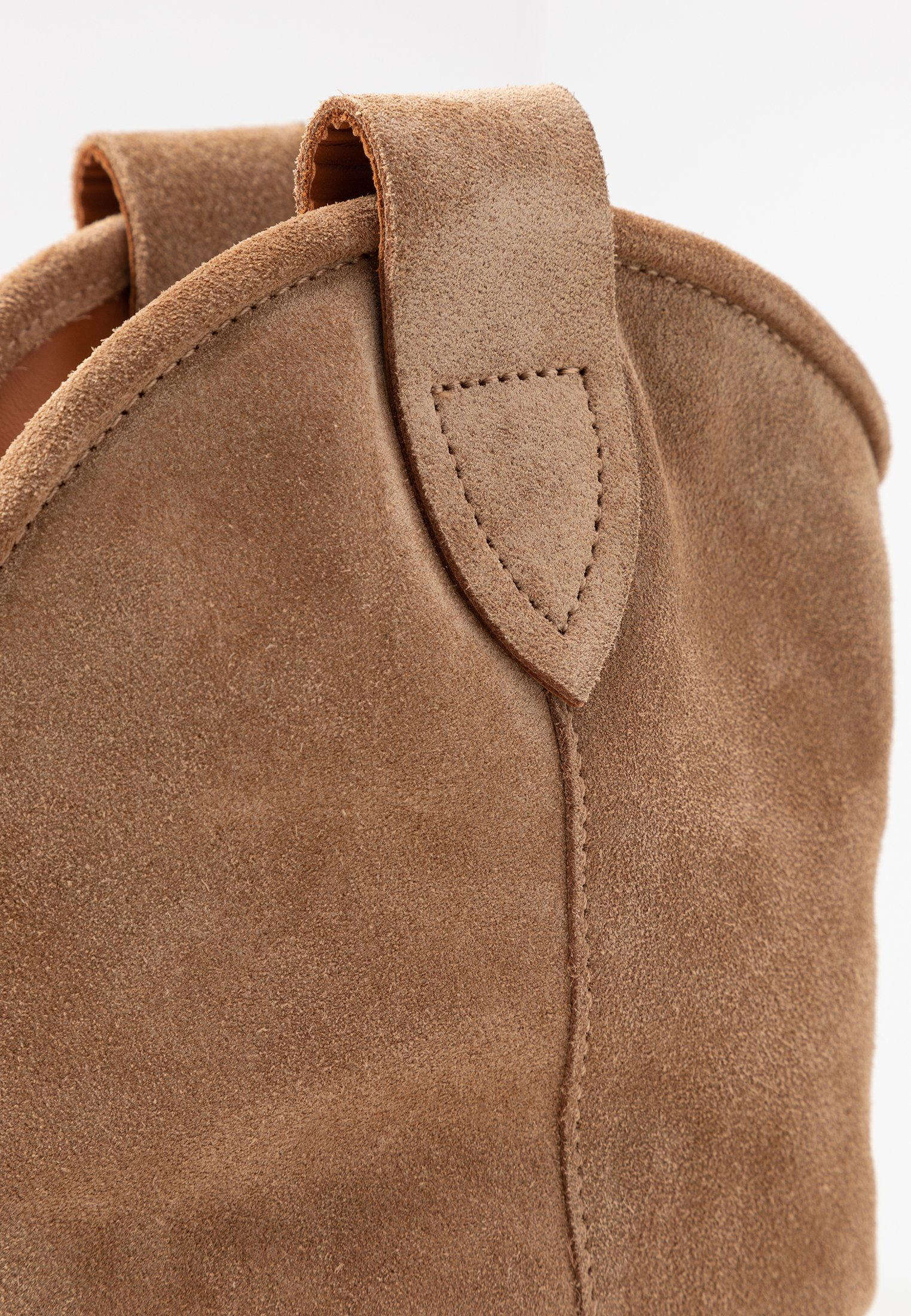 Closed Anise - Santiags Light Brown
