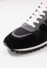 CLOSED - Sneakersy niskie - black - 5