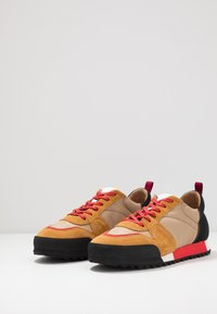 CLOSED - Sneakersy niskie - khaki - 2