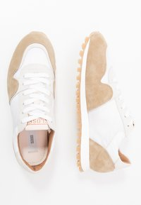 CLOSED - Trainers - barley beige - 1