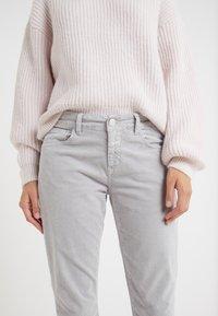 CLOSED - BAKER - Trousers - platinum - 4