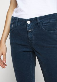 CLOSED - BAKER - Trousers - archive blue - 5