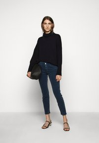 CLOSED - BAKER - Trousers - archive blue - 1