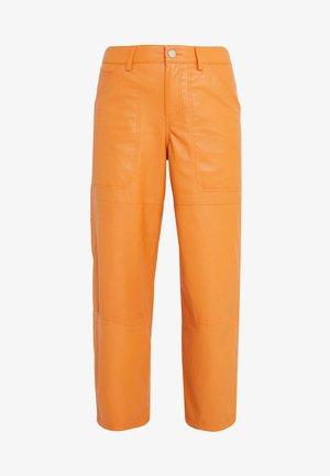 LEYTON - Leather trousers - mango