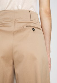 CLOSED - LUNA - Trousers - clay