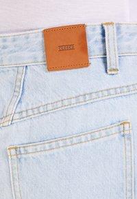 CLOSED - EMMETT - Pouzdrová sukně - light blue - 3