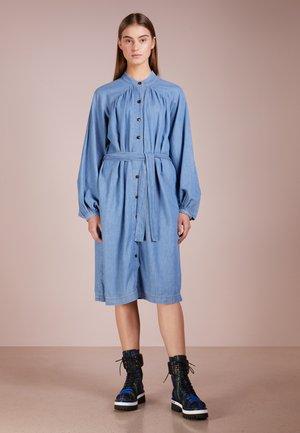 PIPER - Blusenkleid - mid blue