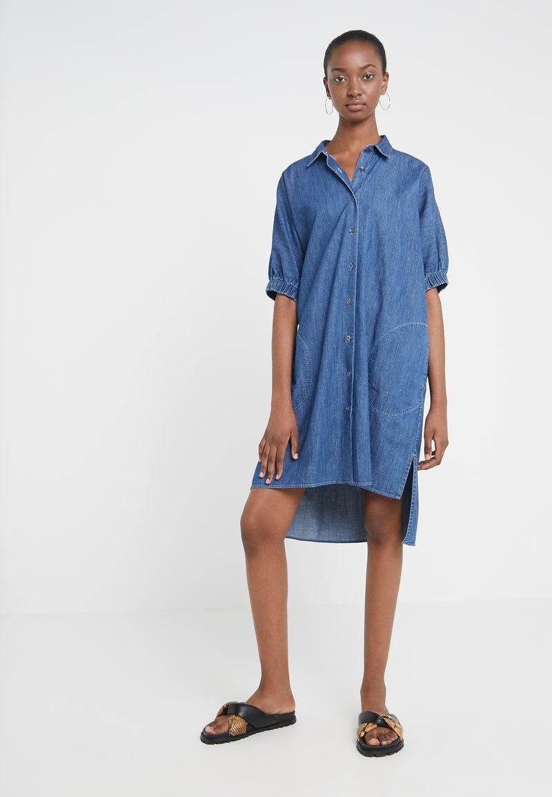 CLOSED - ESTELLA - Jeanskleid - mid blue