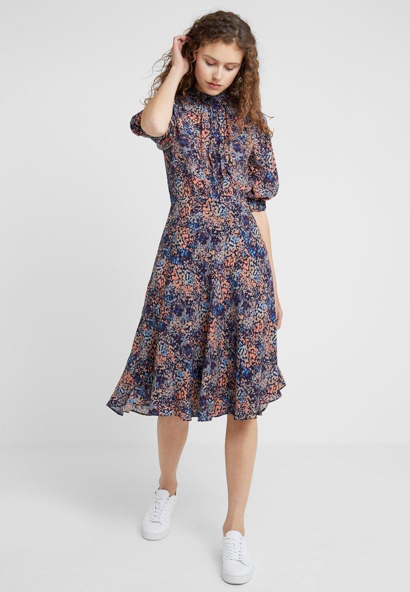 CLOSED - DREW - Day dress - multi color