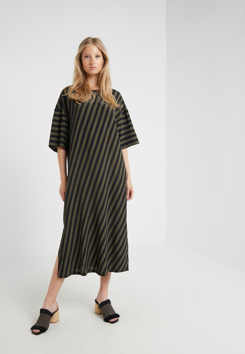 CLOSED - Maxi dress