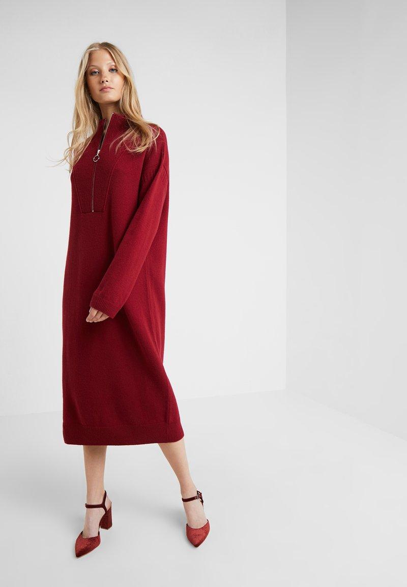 CLOSED - DRESS - Robe pull - ruby