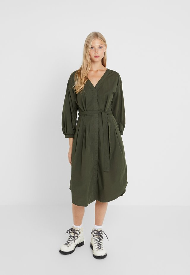 KADY - Vestido camisero - shadow green
