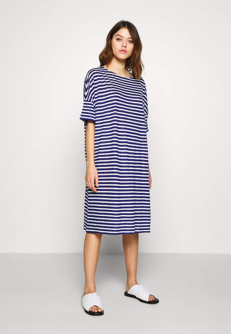 CLOSED - WOMEN´S DRESS - Jersey dress - dark sea
