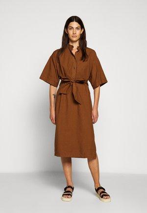ALICE - Robe chemise - antique wood