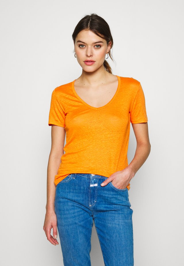 WOMEN - Basic T-shirt - mango