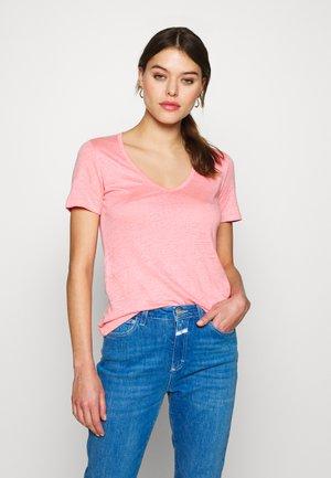 WOMEN - Basic T-shirt - camellia