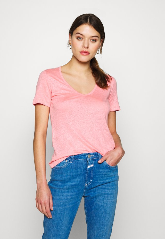 WOMEN - Basic T-shirt - camellia