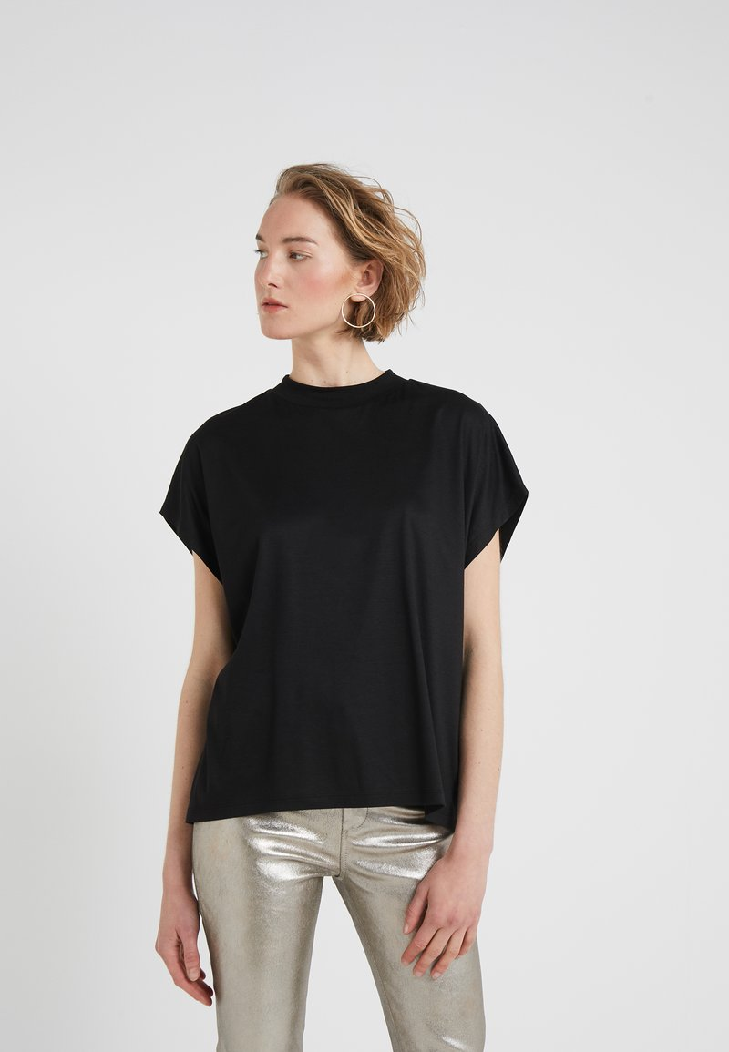 CLOSED - T-shirts basic - black