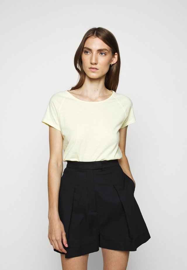 WOMEN´S - T-shirt - bas - buttermilk