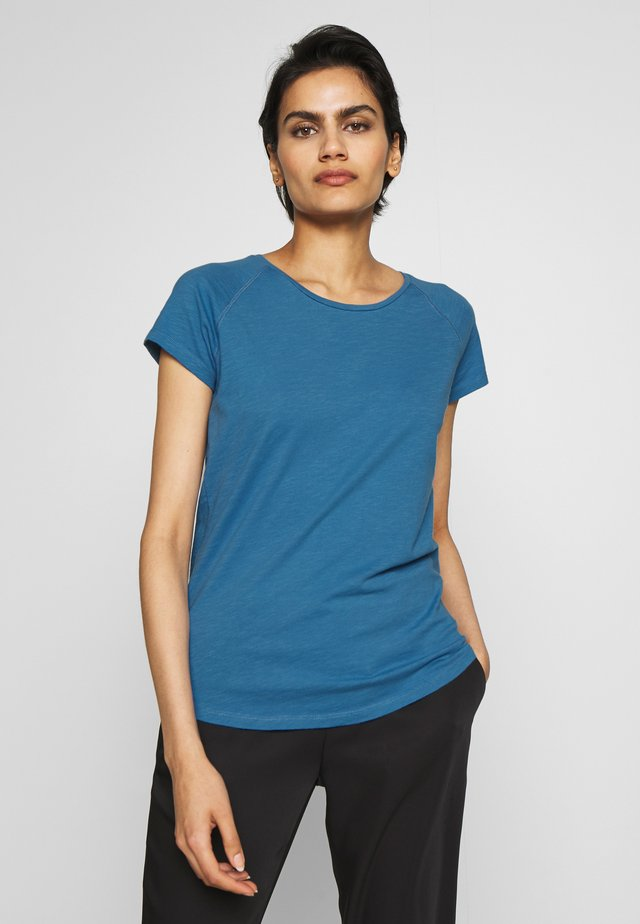 WOMEN´S - T-shirt basic - glacier lake